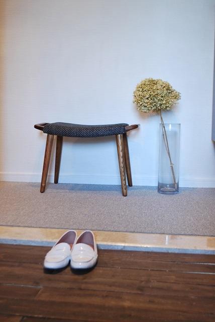 玄関床を、プチDIYで簡単リフォーム。 by OURHOME Emi