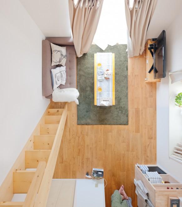 一人暮らしのインテリアとコーディネートの決め方: 天井の高さを活かして。ロフトつき1Kのふたり暮らしインテリア