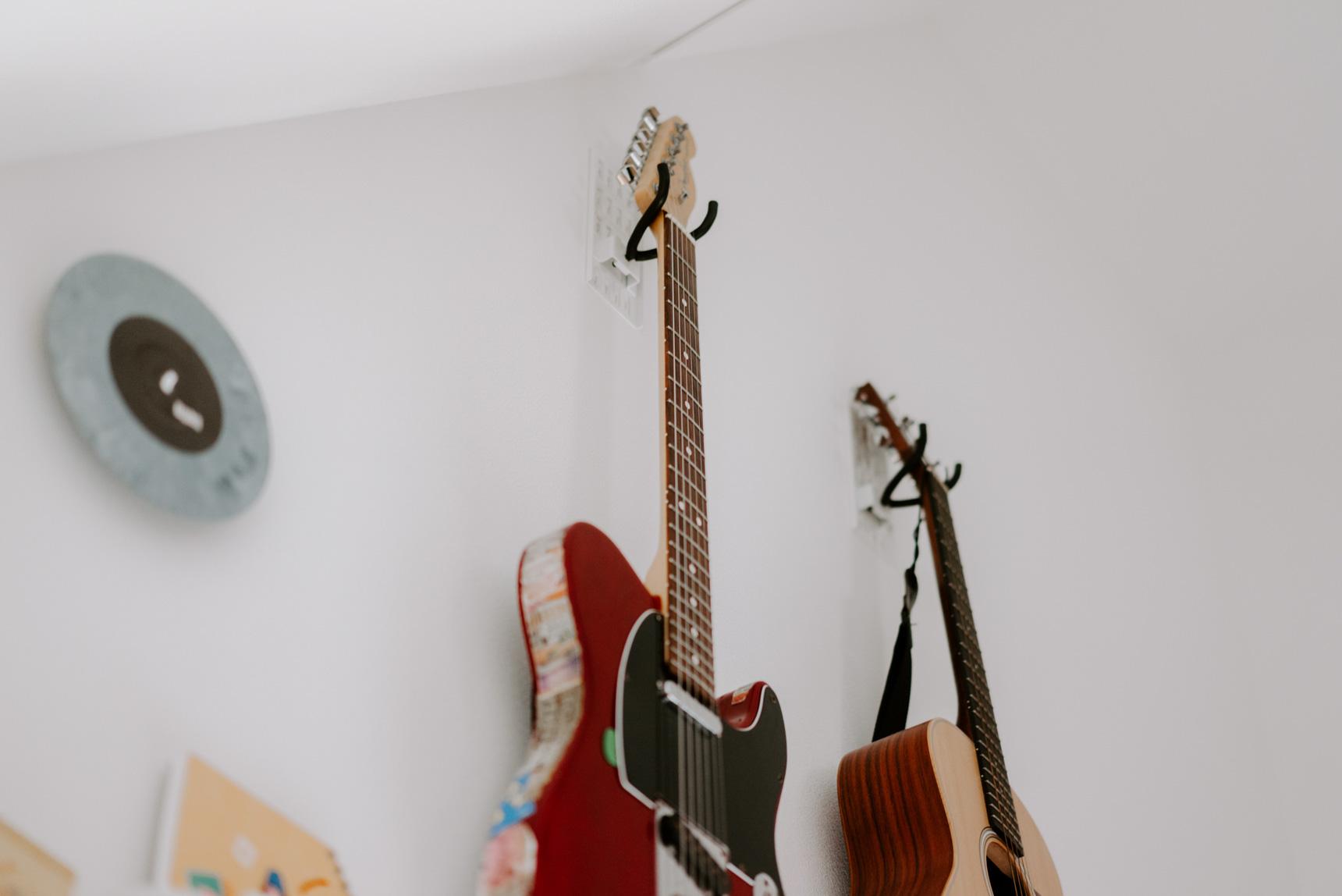 ギター専用のフックもあります!(このお部屋はこちら)
