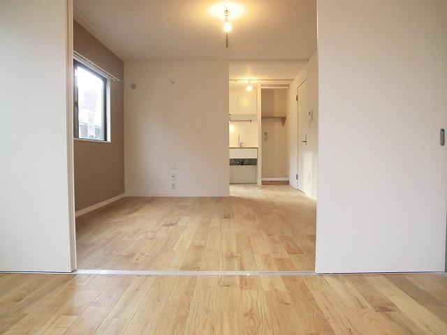 行ってみるとけっこう生活便利で悪くない。西新井ならふたり暮らしがこのお家賃で。(西新井 1LDK 44m² 8.9万円)