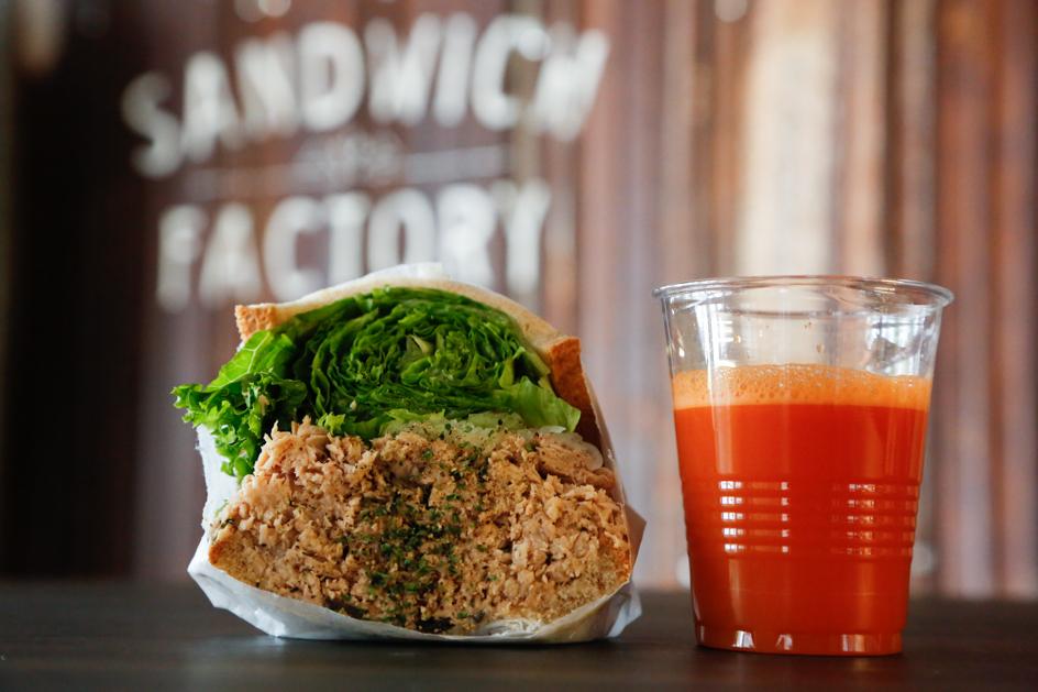 ポタスタのサンドイッチは、サラダボウルのよう。