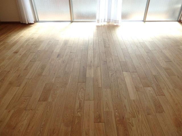 ぽかぽか日当たりの良い無垢床が最高です。