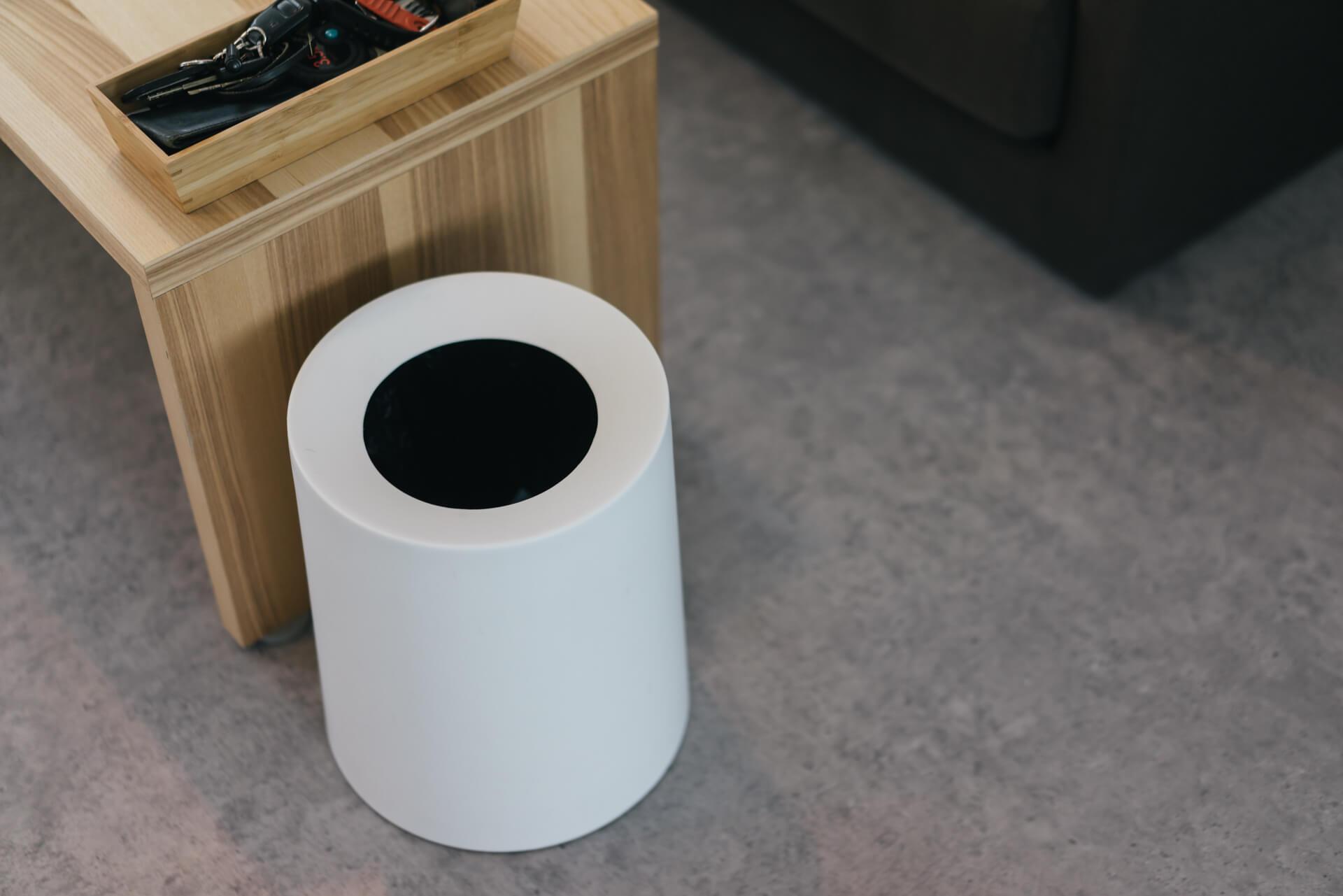 ゴミ袋の存在感を消す。ideaco のゴミ箱「TUBELOR HOMME」
