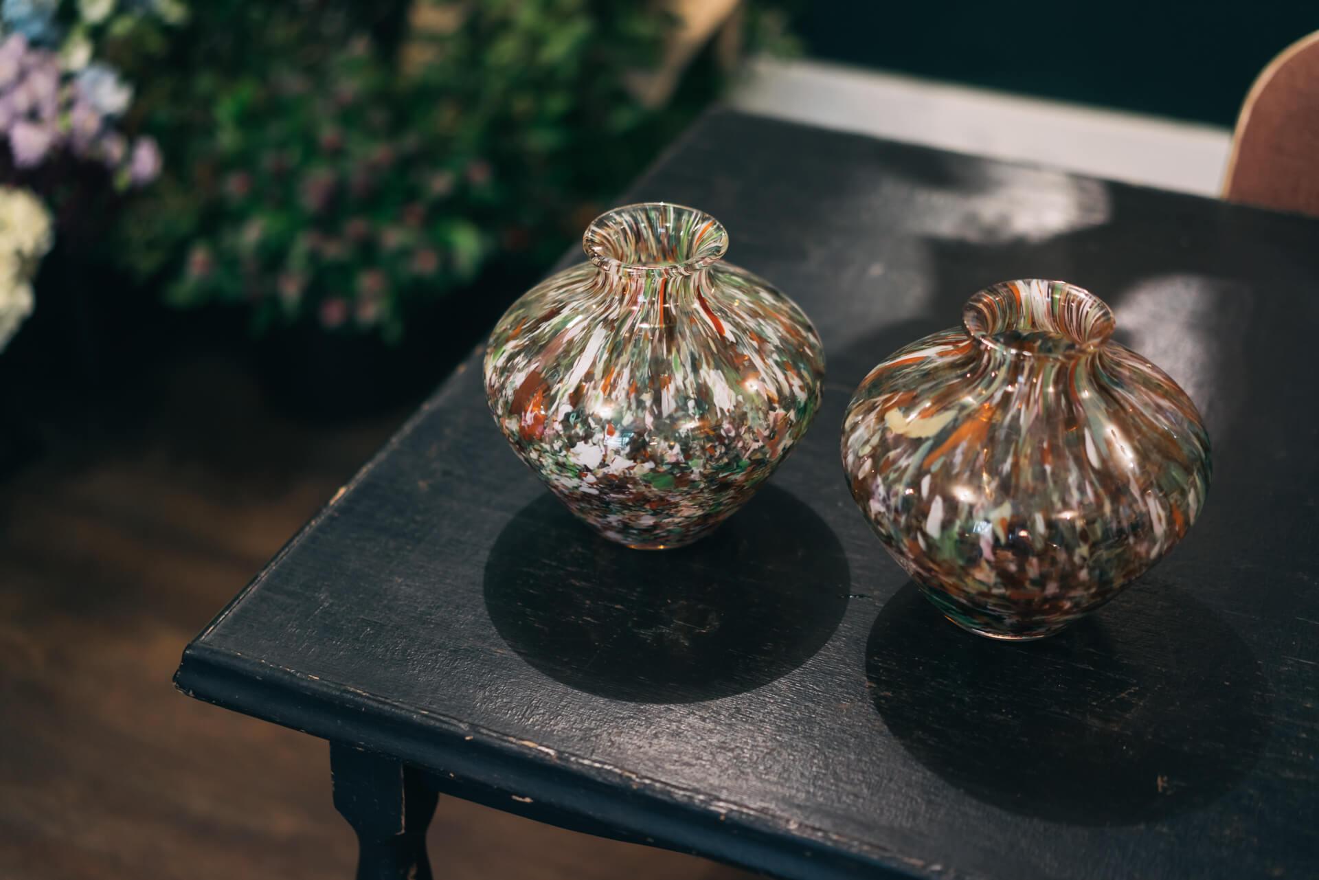 大きめの花瓶でも、口がすぼまっているものであれば、全体にメリハリが出てうまくまとまるそう。