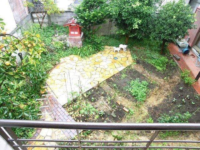 畑を耕したり、いろいろ大変だったけど自然と一体になったね、と西田さん。
