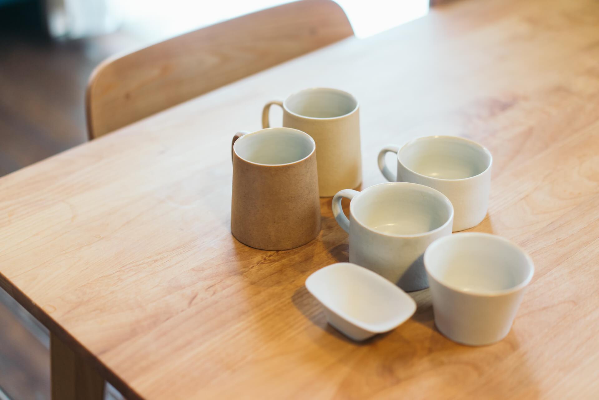 桑原典子さんの笠間焼の器は、ざらっとしてる質感が好き。