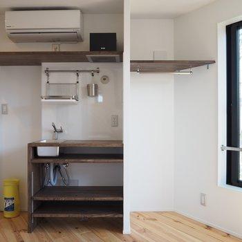 キッチンやクローゼットの配置も工夫されてます。