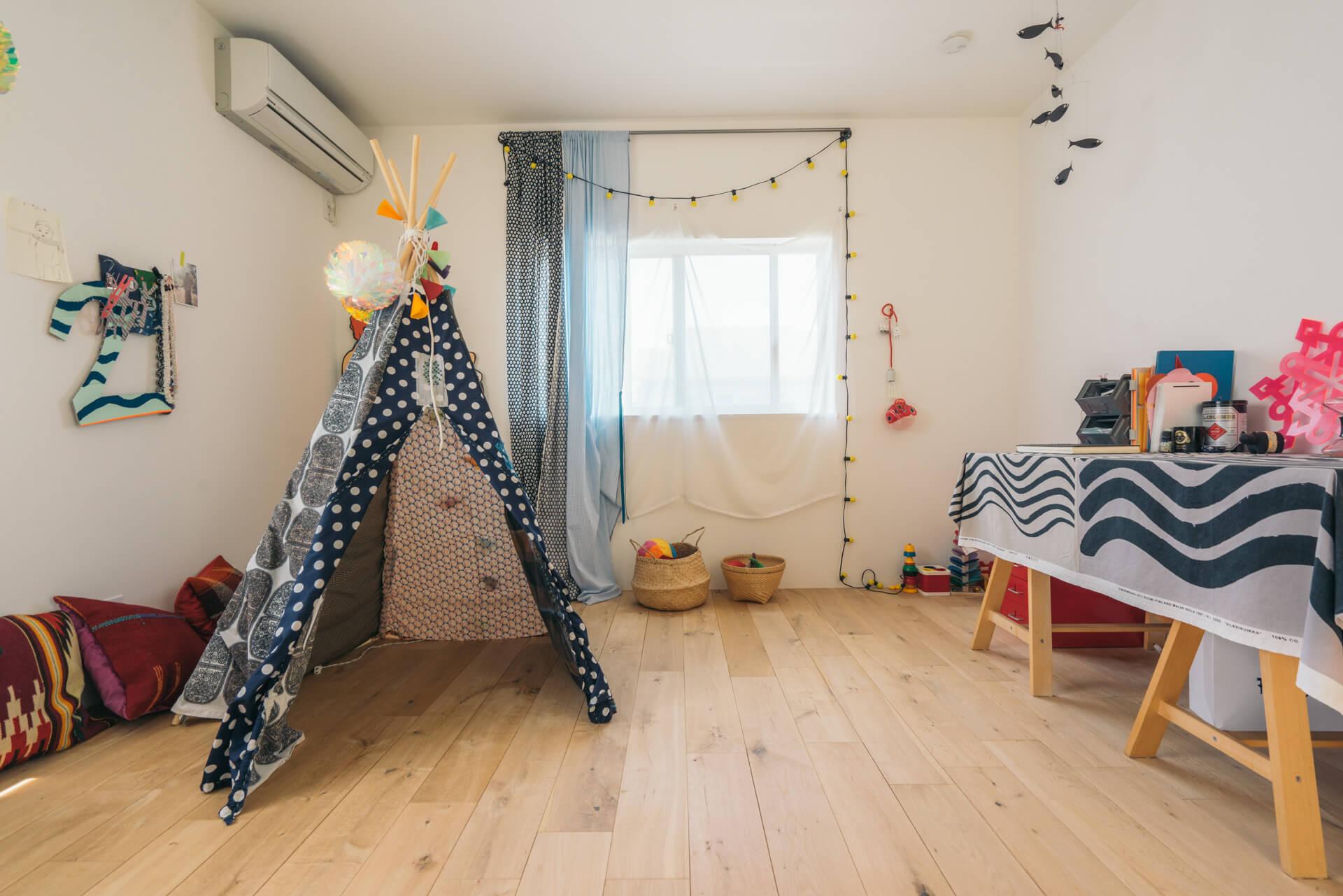 子ども部屋には可愛らしいテントが!