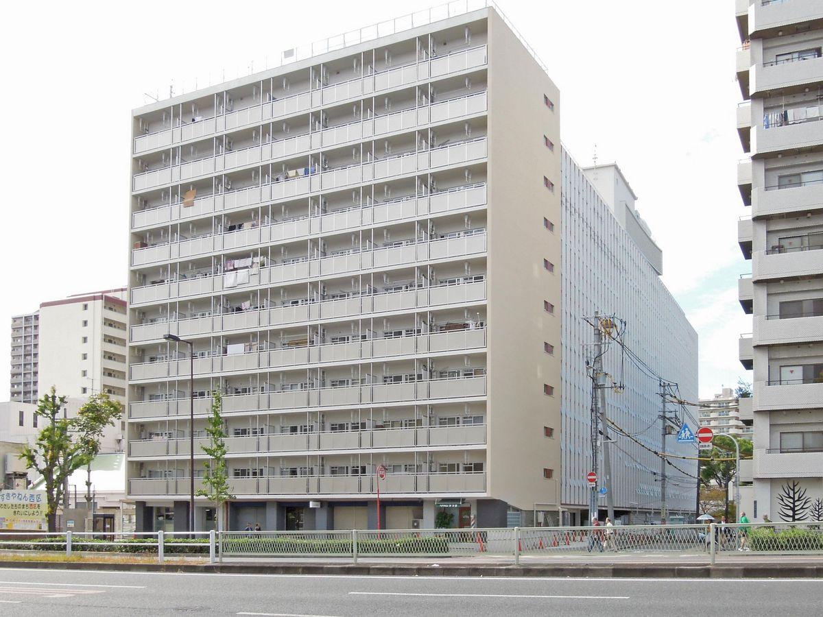 かつてマンモスアパートと呼ばれていた西長堀アパート。完成当時は周辺で最も高い建物だった。