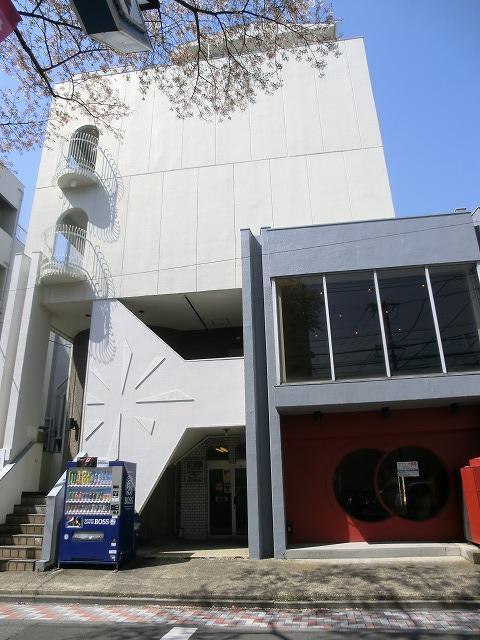 音楽スタジオつきマンション!新築みたいな見た目ですが、リノベ物件です。