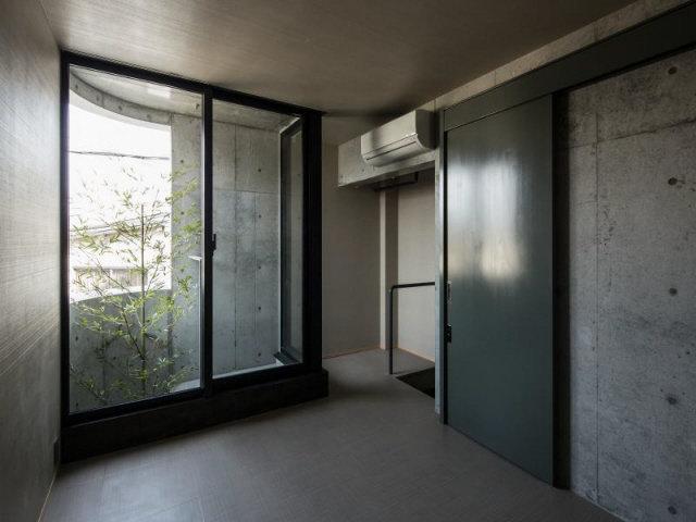 居室は普通、なんてこともないのです。ロフトつきのかっこいい空間が待ってます。
