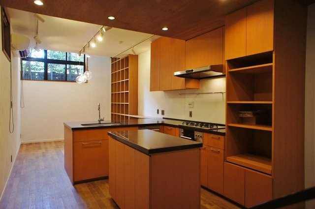 二階の居室、キッチンの存在感がいいね