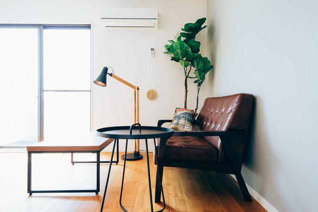 無垢のフローリングはお気に入りの家具を引き立ててくれます(画像は完成イメージ)