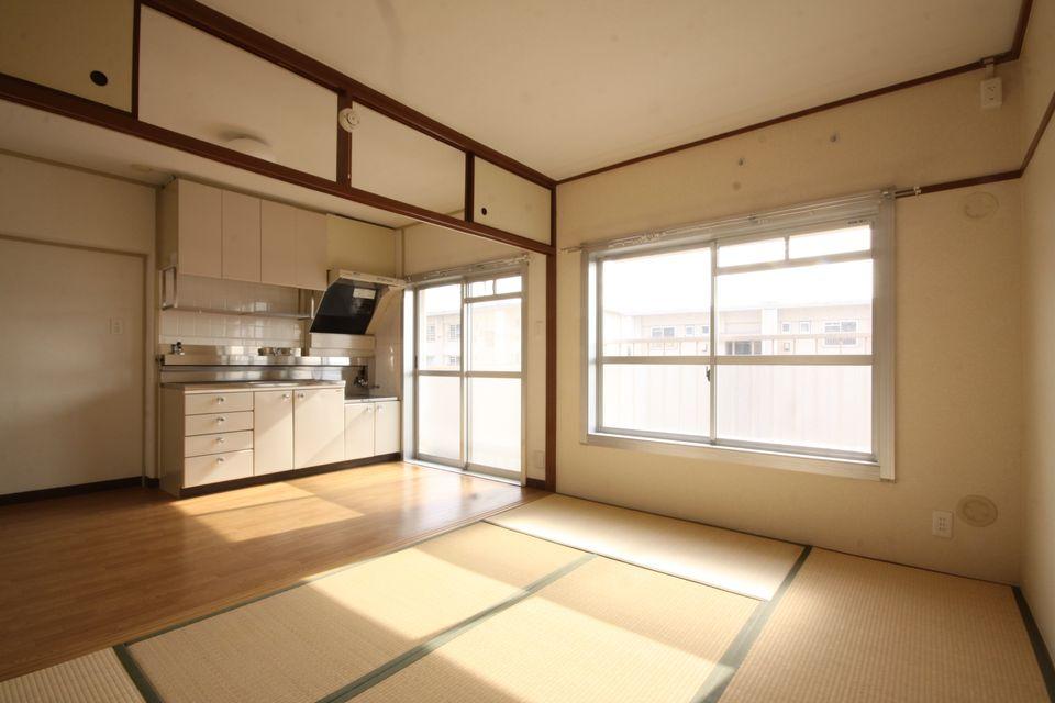 MUJI×UR同様南側にキッチンが設けられている