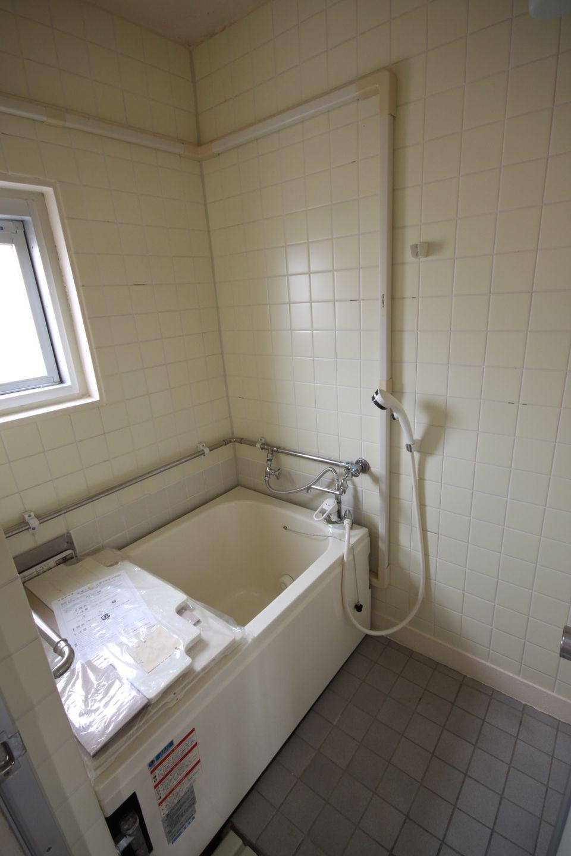 MUJI×URと同程度に浴槽の入れ替え、タイルの張り替えがされている