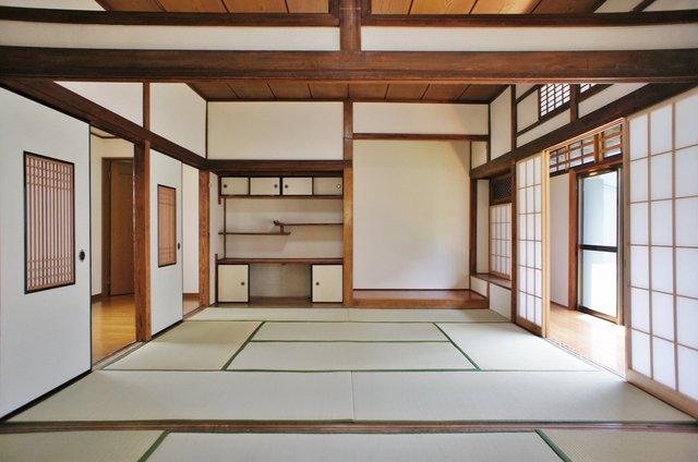 そしてあらわれるつづきの和室。ドラマチックすぎます