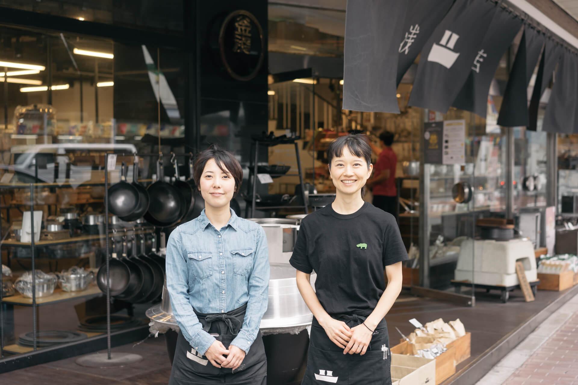 お話を聞かせてくださったのは、スタッフの森本さん(左)と百合岡さん(右)。