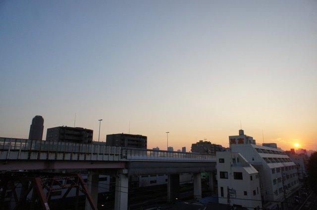7階ということもあり抜けのある眺望は、もう、最高!(首都高が見えちゃうのはご愛嬌・・)
