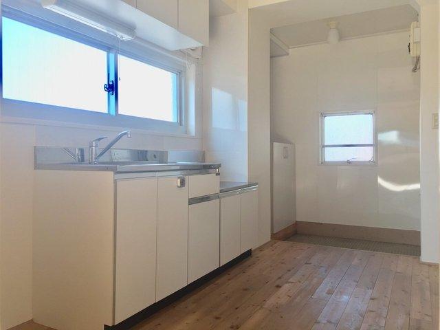 キッチンも広めだし、窓があるのがいいと思うの