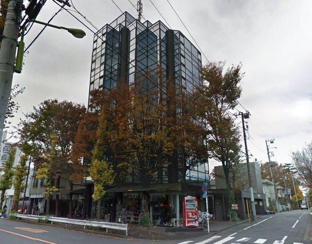 そう、通りに面したこの建物です!
