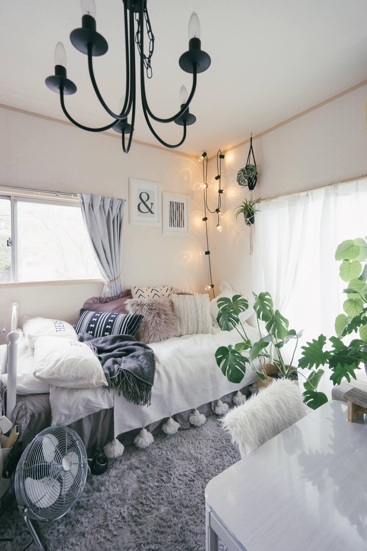 気に入らなければ 変えればいい 家具に色を塗り 壁紙を貼ってつくる