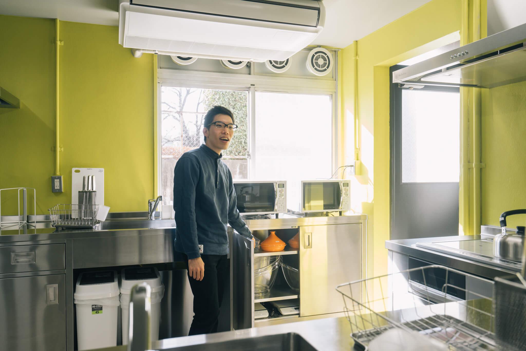 「ワインクーラーとか、タジン鍋とか、ひとり暮らしだとなかなか買わないような道具もあるんですよ」と中田さん。