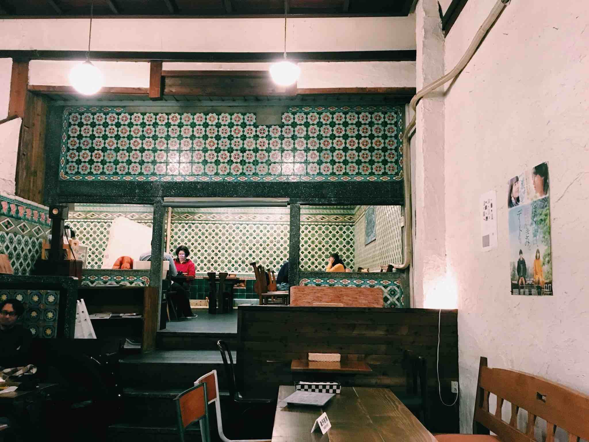 「元銭湯」という異色の経歴を持つリノベカフェ。京都の「さらさ西陣」さんがお気に入りです