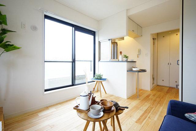フローリングは贅沢に無垢材使用なので、とっておきの家具が映えます