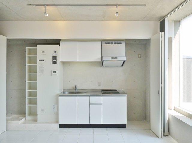 キッチンは、けっこう本格派なんですがドアで隠しちゃうこともできます