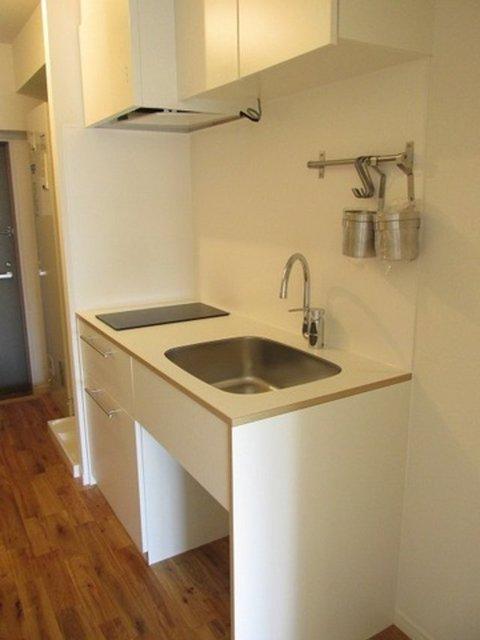 オリジナルのキッチンも、かわいいんですよ!
