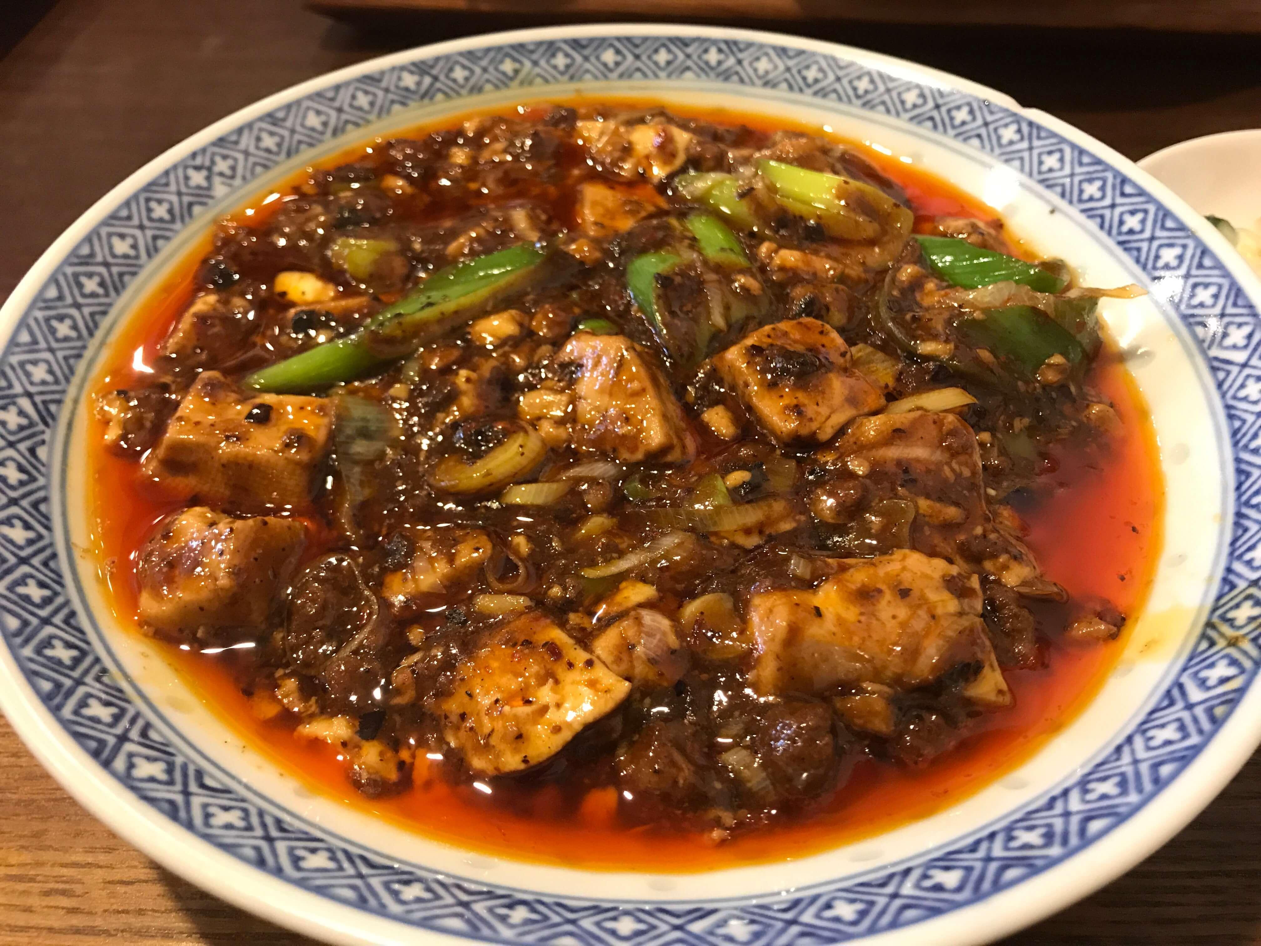 カレー好きが認める麻婆豆腐!? 大阪・福島の行列ができる中華料理店「オイル」に潜入