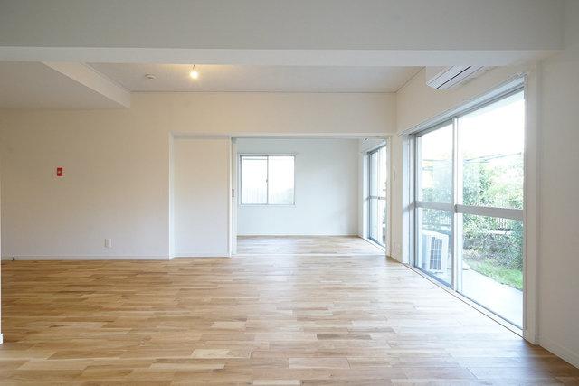 広い。引き戸を開けて2部屋繋げれば、25.5畳の広さに。