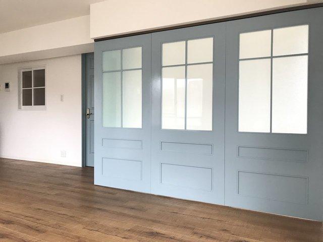 この扉の雰囲気とか。彼女がいたら喜んでくれるんだろうなぁ……