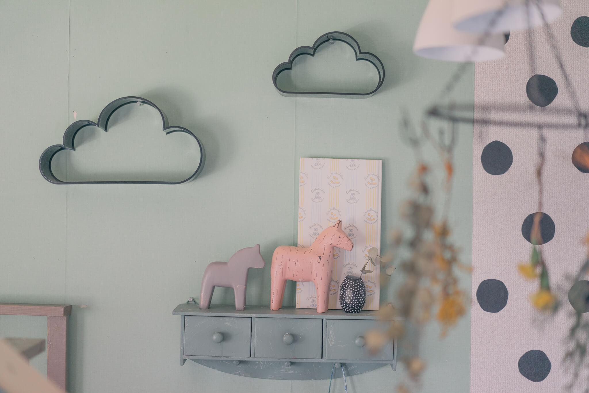 かわいい上にとっても優秀。フライングタイガーの雲形シェルフ