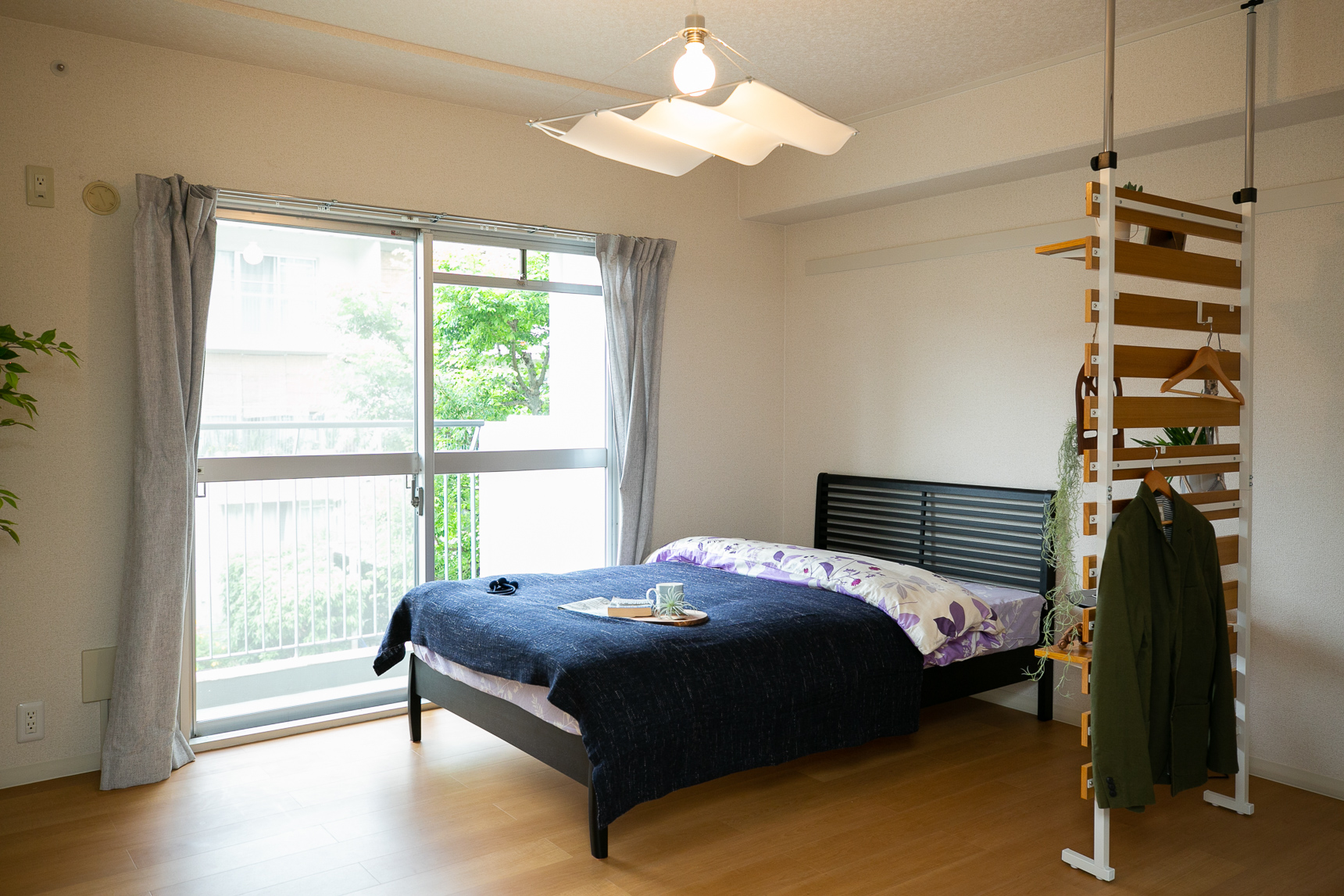 お部屋の南北に大きな窓があることが多いのも、URの間取りの特徴。ベッドルームも明るいです