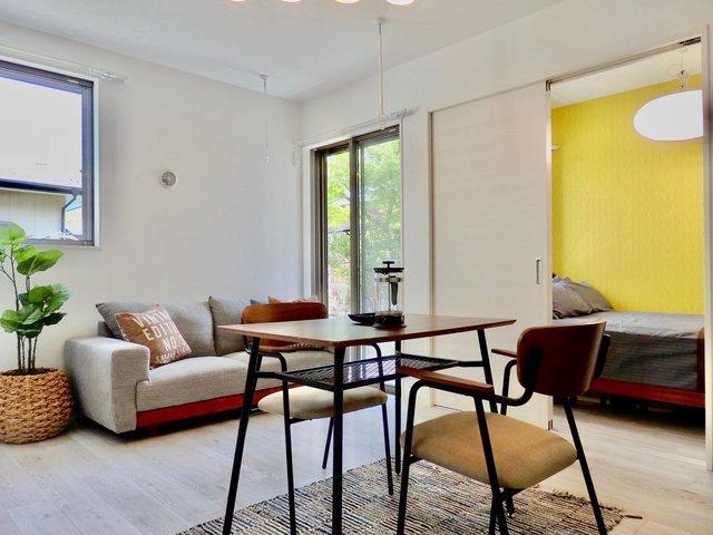 LDKはダイニングテーブルとソファ、両方置ける広さあります