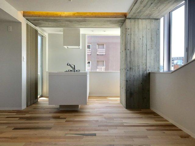 2017年築のスタイリッシュなデザイナーズマンション。八丁堀駅徒歩2分と、銀座や日本橋、大手町、東京駅まで徒歩圏内の機動性抜群の立地です。