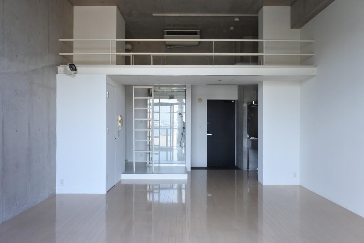 コンクリート打ちっ放しがかっこいい雰囲気!デザイナーズのお部屋です