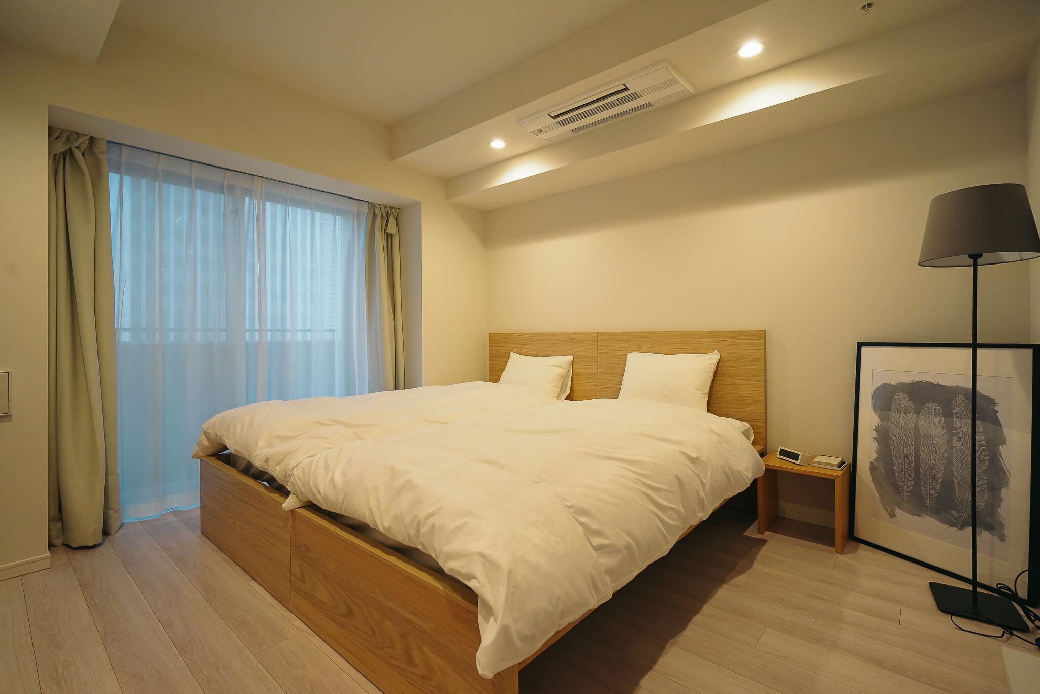 ゆったりした空間に、床暖房や充実したキッチンスペース、オーバーヘッドシャワー、打たせ湯機能などのついたバスルームなど、ひとつひとつの設備にこだわっています
