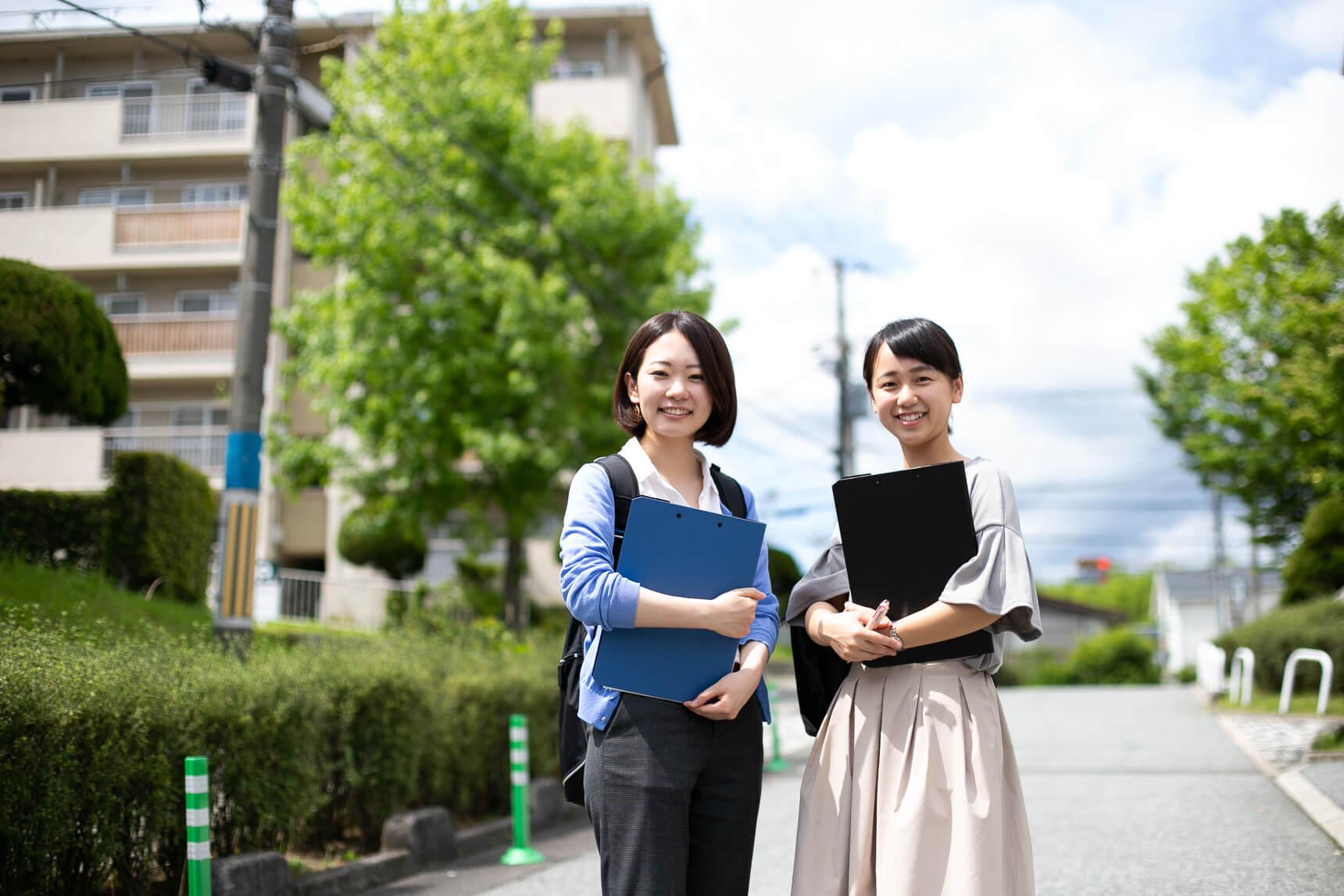ご案内いただいたのは、UR都市機構の荒木三紗子さん(写真左)と、大澤優海さん(写真右)。