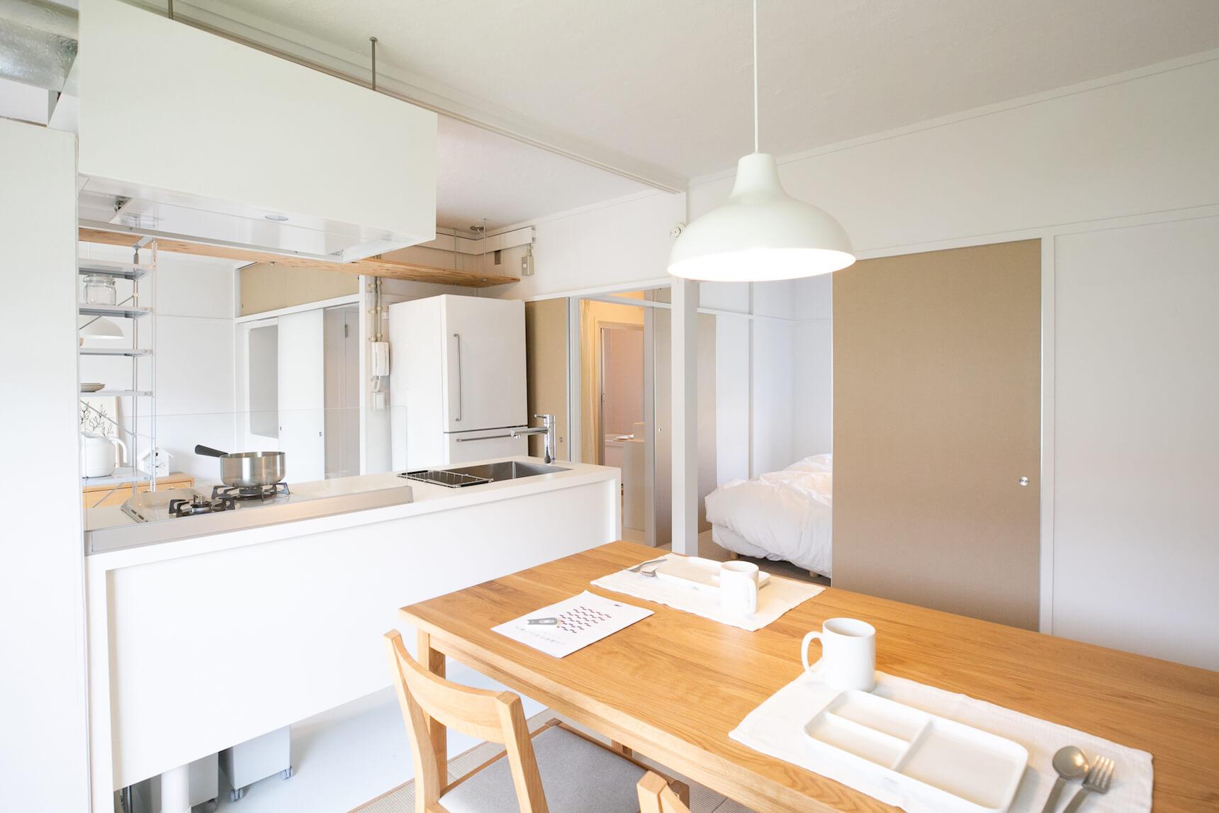 シンプルな空間に、無印良品の家具を置いていくと自然と調和するように考えられています