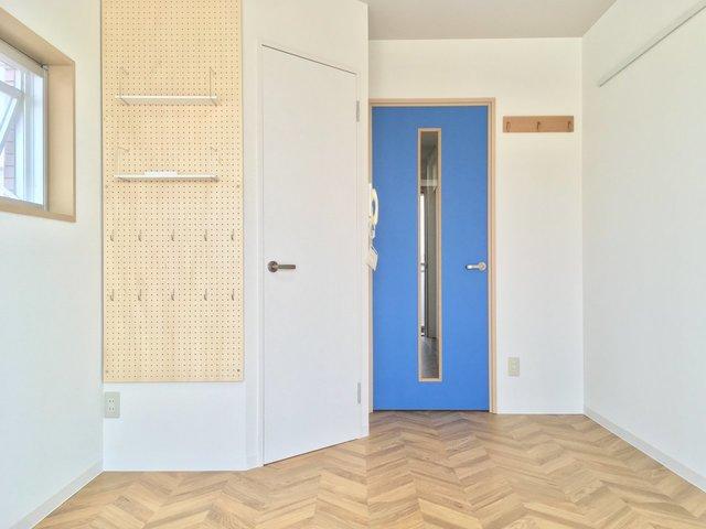 中央線でお手ごろに部屋探しをしたいならオススメしたい武蔵小金井。こちらはオートロック付きのしっかりしたタイプのマンションで、女性にも安心です。