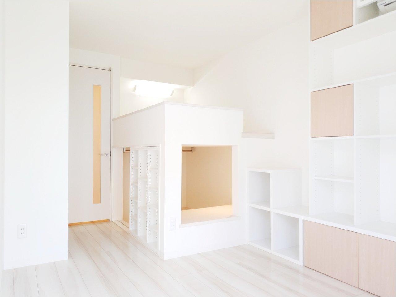 初めてのひとり暮らしは、収納もあらかじめついているお部屋を選ぶと、家具を揃える費用が抑えられてゆとりが生まれます