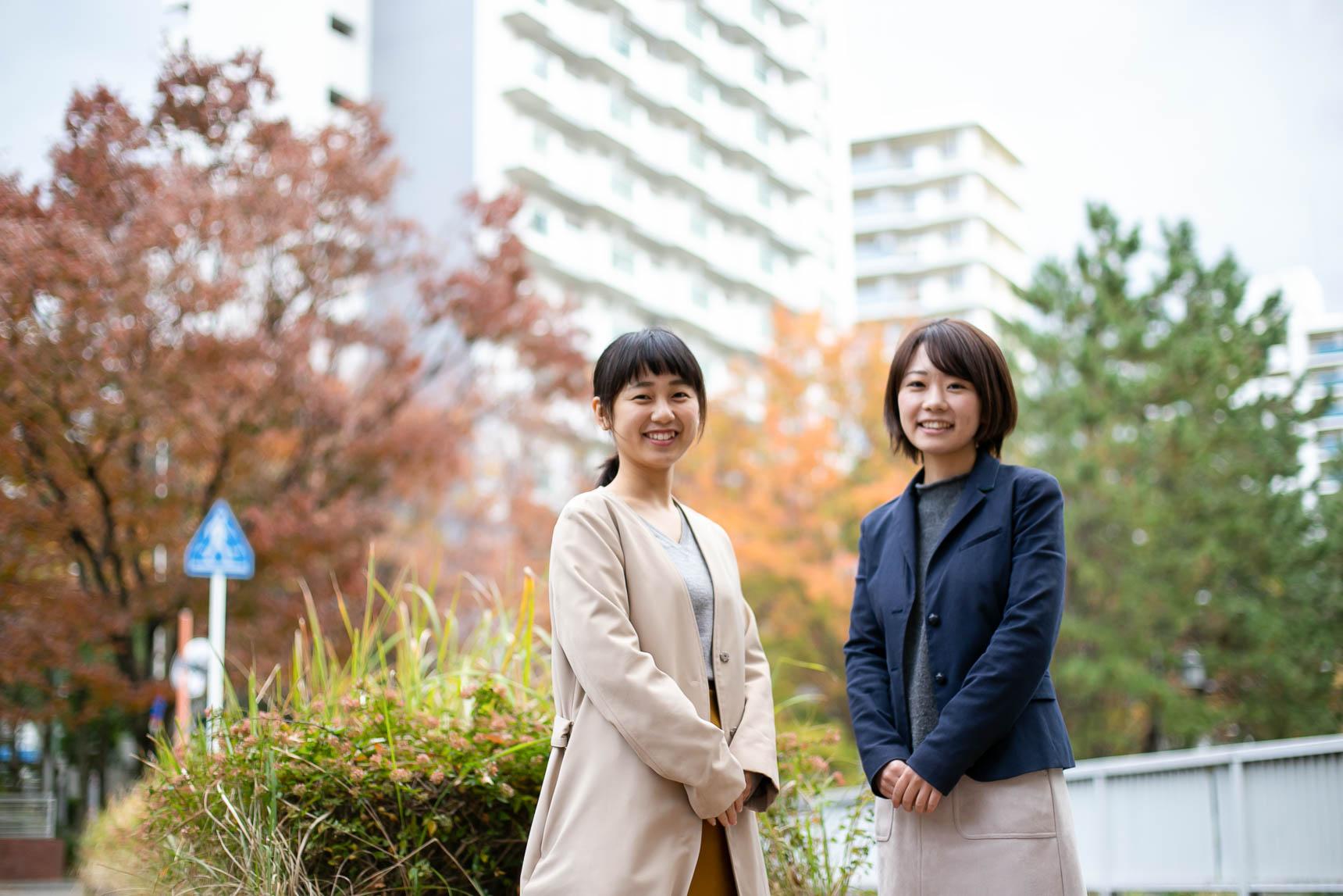 団地をご案内してくださったのは、UR都市機構の荒木さん(写真右)と大澤さん(写真左)
