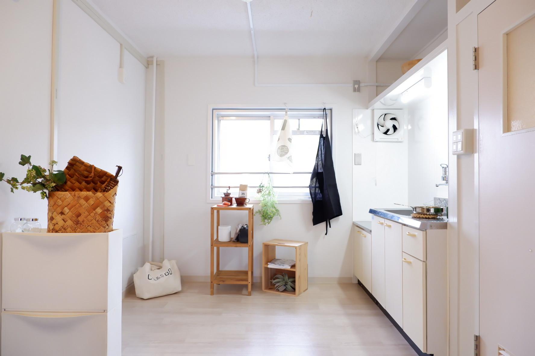 キッチンも広々。窓があるので湿気がこもらないのも嬉しいところ。