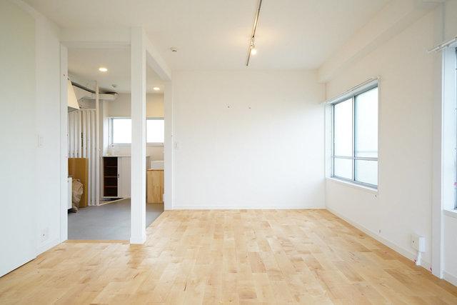 友達をたくさん呼べる、おしゃれな部屋に住み変えたい。関西の無垢床賃貸特集