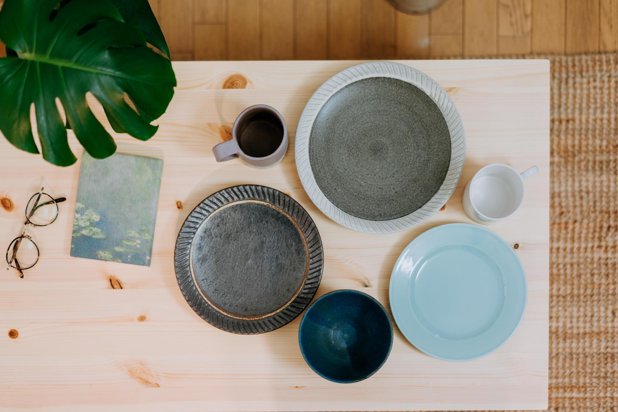 器も好きで、よく陶器市に行かれるという神山さん。笠間の陶炎祭(ひまつり)で買ったものや、お友達が作ったものなど、素敵な器がたくさん。