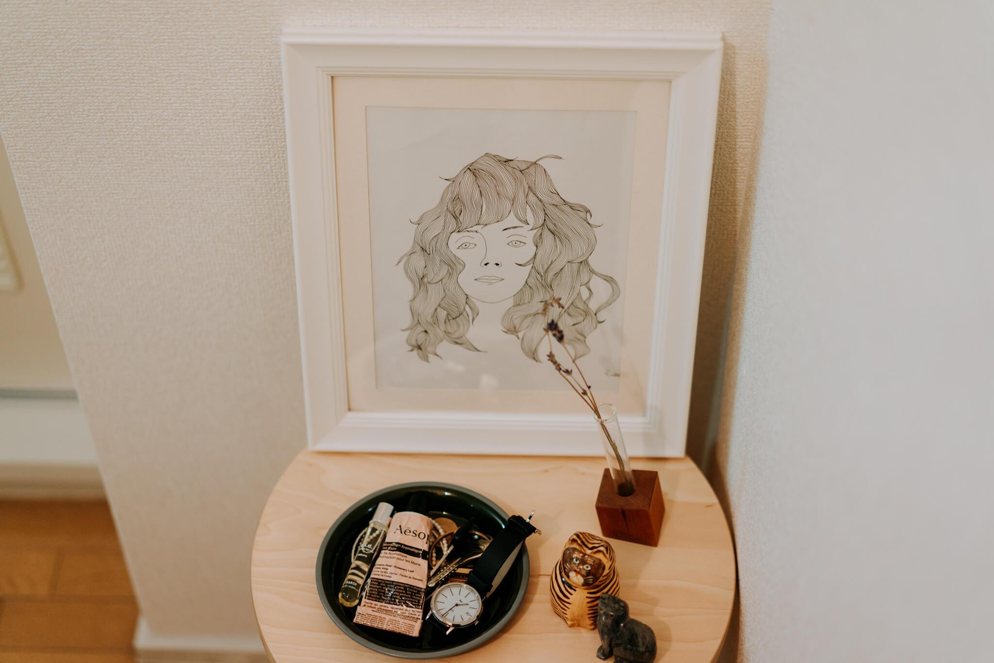 玄関にあったこちらの線画は、神山さんご自身が描かれたもの。