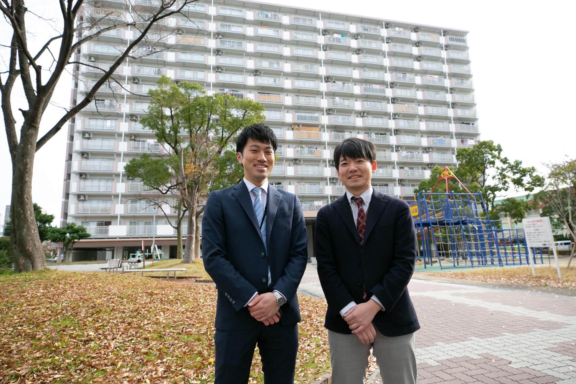 ご案内してくださったのは、UR都市機構の稲田さん(左)と大井さん(右)。