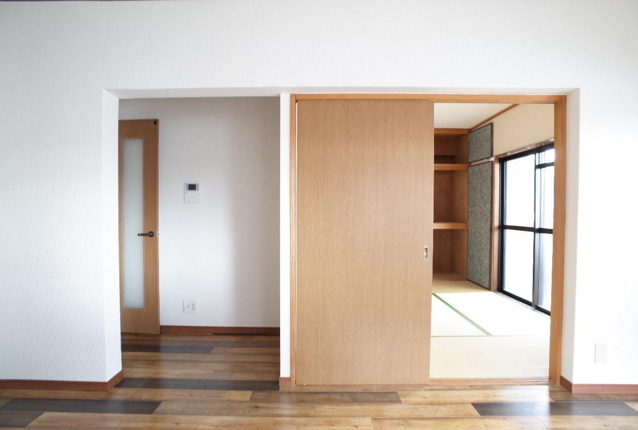 居室は、和室がひとつと、6畳の洋室が2つ。収納もそれぞれの部屋にしっかりあるので、ファミリーにぴったり。